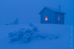Alex Wünsch Naturfotografie Finnland Winter Schnee Hütte