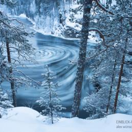 Alexandra Wünsch Alex Einblick Natur Naturfotografie GDT Finnland Winter Strudel Wasser Fluß